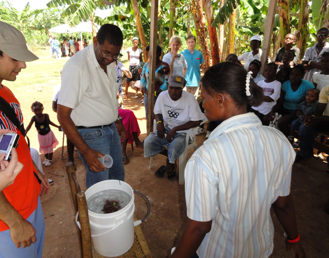 CMMA teaches how to use Sawyer Water Filter